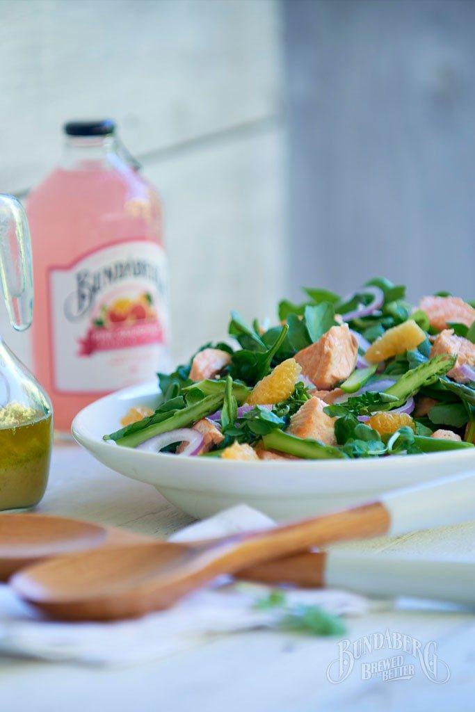 Salmon-with-Pink-Grapefruit-dressed-salad